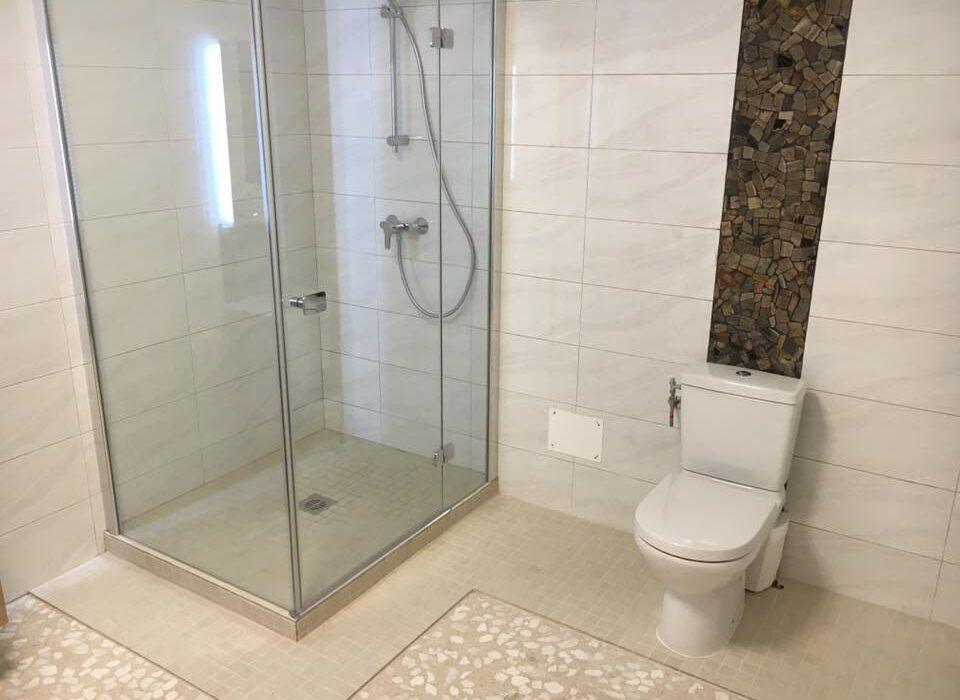 reforma dormitorio 8 + reforma bano inodoro con plato de ducha