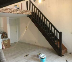 reformas pisos en Barcelona escalera de madera