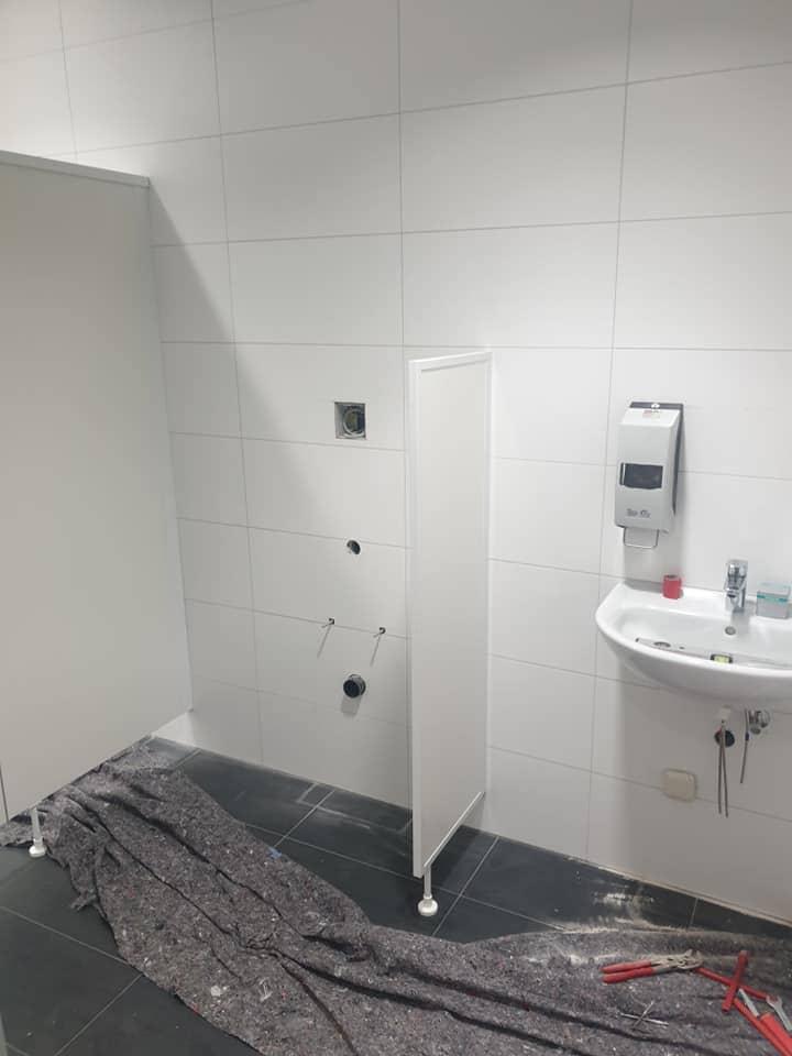 Plato de ducha y mampara de ducha