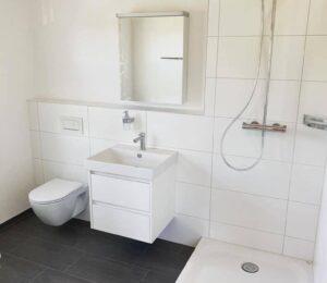 Plato de ducha y mampara para ducha