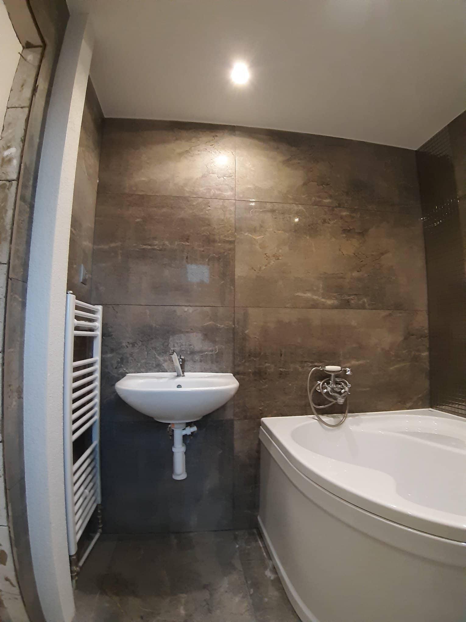Reformas integrales de viviendas, cambiar bañera por ducha