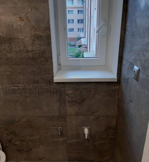 Reformas integrales viviendas Barcelona ventana aluminio azulejos nuevo