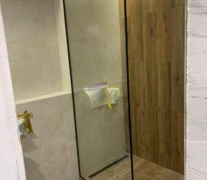 Reformas viviendas en Barcelona cambio de plato de ducha